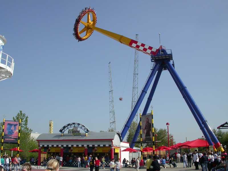 giant frisbee ride for fairground