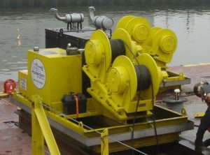 Double drum winch for shore